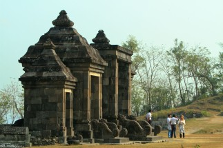 a shot of the main gate from a different angle, to give a different perspective